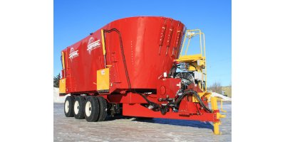 Model 2000HDT - Pull Type Triple Auger Mixer