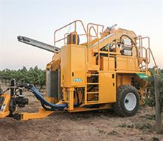 Oxbo - Model 316XL - Grape Harvester