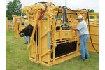 Model 750 - Hydraulic Squeeze Chute