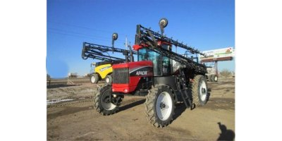 APACHE - Model AS1010 - High Clearance Sprayer