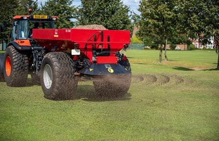 Rink range delivers versatile and adaptable topdressing