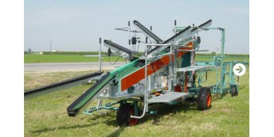 Pluk -O- Trak  - Model Senior - Harvesting Machines
