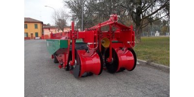 Carlotti - Model KMC-R 1450, 1600, 1800 - Two-rows Potato Digger