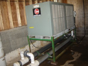 "Air-cooled condenser on ""chiller barrel"" type evaporators"