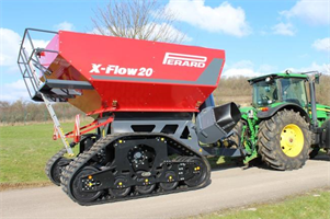 Perard - Model X-FLOW 20 - Purely Crop-Oriented Travelling Platform