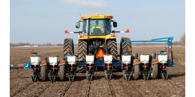 Kinze - Model 3000 Series - Rigid Frame Planters
