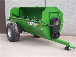 Humac - Model 10.5 - Cubic Yard Rotary Spreader