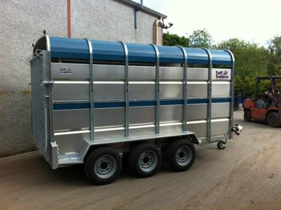 Humac - Tractor Drawn Livestock Trailers