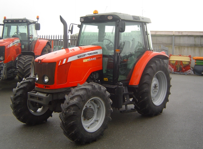 Massey Ferguson - Model 5445 Tier 3 - Tractors