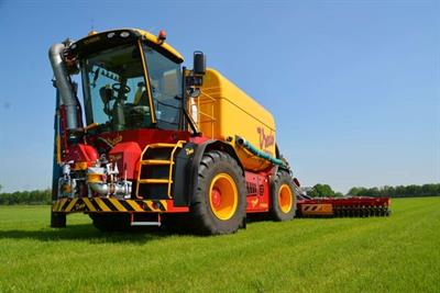Vredo SlurryTrac - Model VT4556 - Self-Propelled Tracs