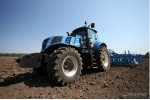 New Holland - Model Т8 - Tractor