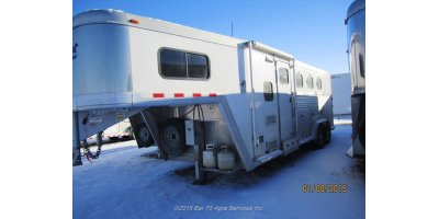 Cimarron - Model TGHLQ 1121u - Horse Trailer