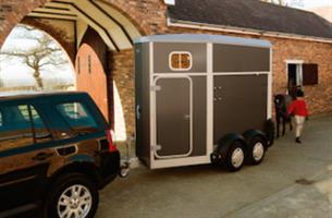Model HB403 - Single Horsebox Trailer