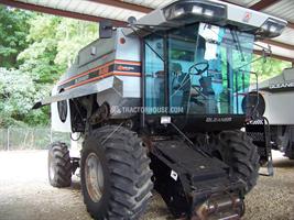 Gleaner - Model R52 - Combine
