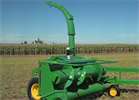 John Deere - Model 3955 - Pull-Type Forage Harvester