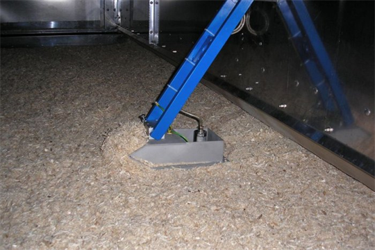 Online moisture measurement of wood shavings on a carriage - Case Study