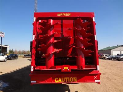 Northern-Trailer - Pull Type Multi-Purpose Spreaders